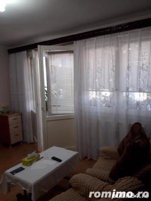 Dristor apartament de vanzare 3 camere aproape de metrou - imagine 1
