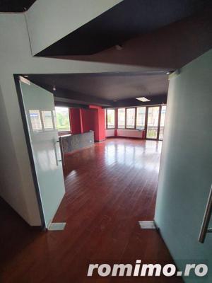 Vitan apartament folosibil drept salon 3 camere,130 mp si un balcon spatios - imagine 6