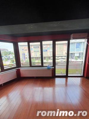 Vitan apartament folosibil drept salon 3 camere,130 mp si un balcon spatios - imagine 3