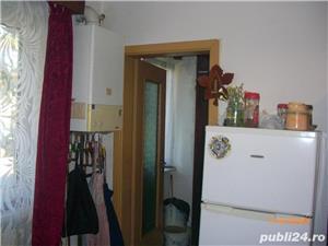 Vand apartament cu 2 camere, cf. 2 nedecomandat, parter/4, zona Damb - imagine 2