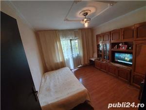 0% COMISION CUMPARATOR! Vanzare Apartament 4 camere situat in Targu Jiu, strada 8 Mai - imagine 4