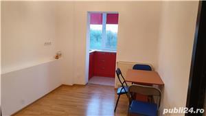 Proprietar, inchiriez apartament 2 camere Soarelui - imagine 3