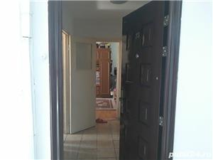 Vand apartament 3 camere zona Berceni Secuilor - imagine 2