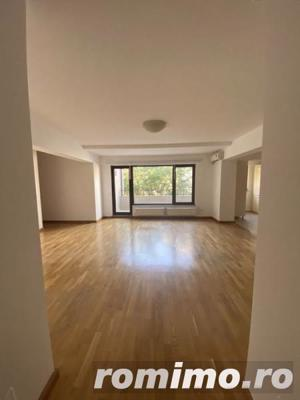 Apartament 3 camere nemobilat + 1 loc de parcare in garaj subteran - imagine 1