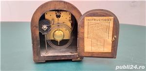 Ceas de masa art deco din lemn anii 30 cu 2 chei  - imagine 5