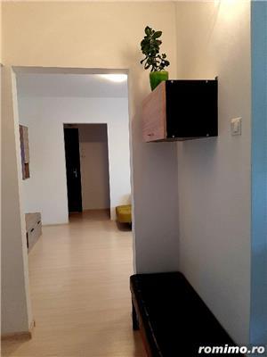 Apartament metrou 1 Decembrie complet renovat, spatios, 3 camere, 70 mp - imagine 9