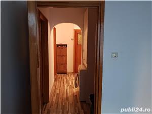 Apartament 3 camere de vanzare in zona brâncoveanu  - imagine 4