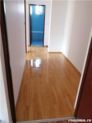 Apartament la mansarda, Bradet - imagine 2