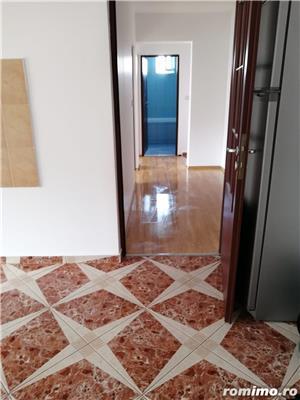 Apartament la mansarda, Bradet - imagine 1
