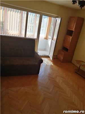 Apartament 2 camere decomandat zona Lunei etajul 2 centrala proprie - imagine 7