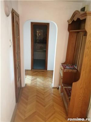 Apartament 2 camere decomandat zona Lunei etajul 2 centrala proprie - imagine 8