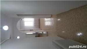 Închiriez apartament cu 3 camere - imagine 2