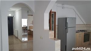Închiriez apartament cu 3 camere - imagine 7
