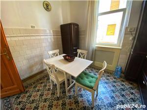 Apartament la Vila - imagine 4