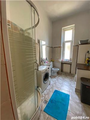 Apartament la Vila - imagine 8