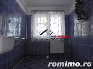 Spatios! Vanzare apartament semidecomandat cu 2 camere in Targoviste micro 6 - imagine 4