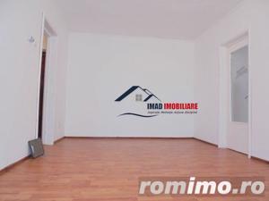 Spatios! Vanzare apartament semidecomandat cu 2 camere in Targoviste micro 6 - imagine 2