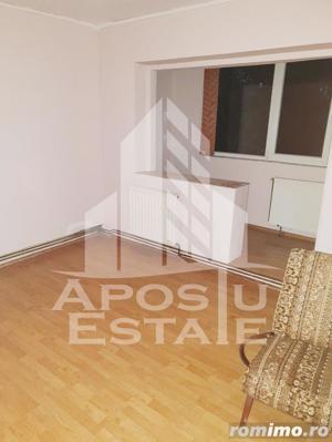 Apartament decomandat in zona Lipovei - imagine 3