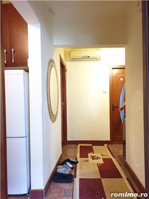Apartament 3 camere, decomandat, zona Soarelui - imagine 2