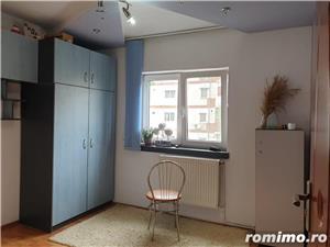 Apartament 3 camere, decomandat, zona Soarelui - imagine 4
