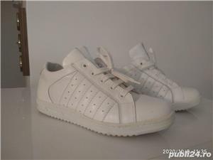 Pantofi gen adidas piele naturala - imagine 2