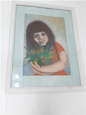 """Tablou in ceracolor anii '70 """"Fata cu flori"""" dimensiunea 45x32 cm. - imagine 1"""