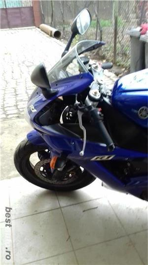 Yamaha R1 - imagine 2