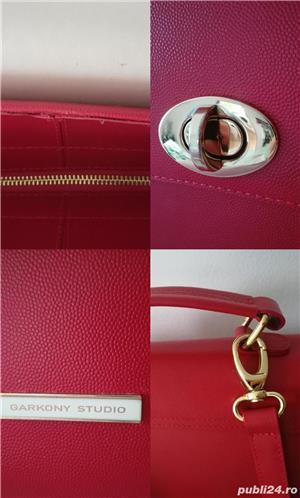 Geantă din piele de culoare roșie - imagine 5