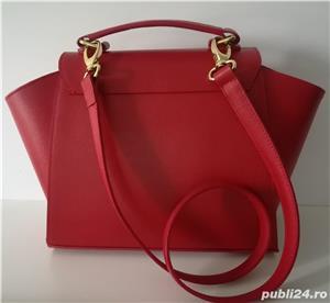 Geantă din piele de culoare roșie - imagine 2