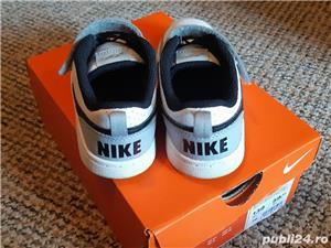 adidasi Nike - imagine 1
