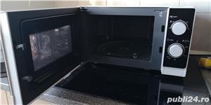 Vând cuptor cu microunde Sharp R-20DW, 800 W, 20 l, ca nou. - imagine 2