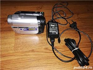 Vând camera video SONY DCR - DVD 110E - imagine 2