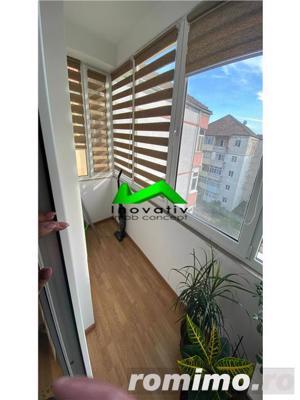 Apartament 3 camere,decomandat,renovat,balcon,Strand - imagine 7