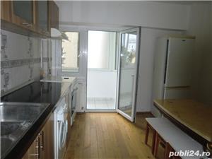 Apartament 3 camere Calea lui Traian zona Politia Municipala - imagine 5
