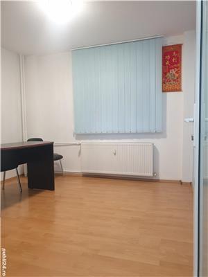 Proprietar, ap 2 camere, parter/8, stradal, 2 gr. sanitare, renovat  , ideal firma, metrou Gorjului. - imagine 2