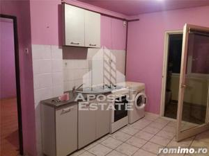 Apartament 2 camere, decomandat, cu centrala proprie, in zona Aradului - imagine 4