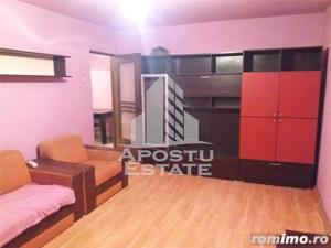 Apartament 2 camere, decomandat, cu centrala proprie, in zona Aradului - imagine 2