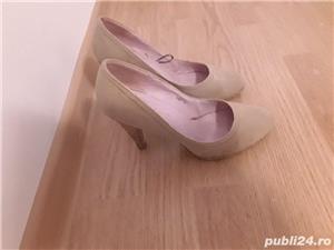 Pantofi toc crem - imagine 4