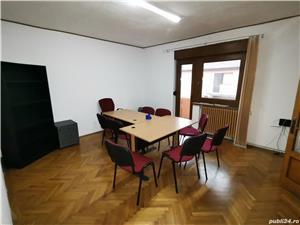 INCHIRIEZ spatiu birou apartament 3 camere la casa,zona Milea - imagine 3