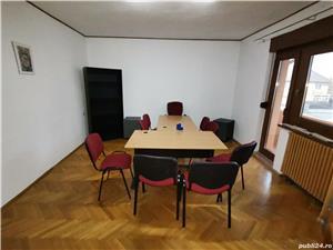 INCHIRIEZ spatiu birou apartament 3 camere la casa,zona Milea - imagine 4