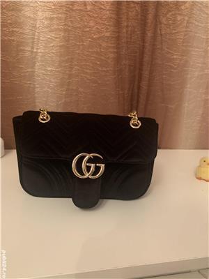 Vând geanta Gucci - imagine 1