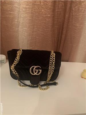 Vând geanta Gucci - imagine 3