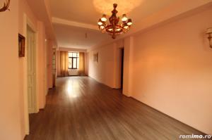 Zona superba, Aleea Modrogan, apartament renovat, garaj 27 mp - imagine 2