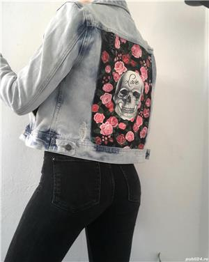 Skull and Roses Jacket - imagine 1
