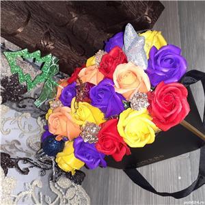 Aranjamemte pentru Craciun,  aranjamente realizate di flori de sapun - imagine 3