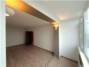 Apartament 3 camere decomandat, ultracentral, la cheie - imagine 2