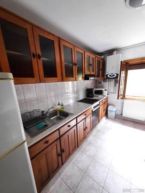 Apartament cu 3 camere- zona Bucovina - imagine 4