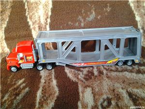Disney Pixar Cars Mack camion transportor masinute 34 cm jucarie copii - imagine 3
