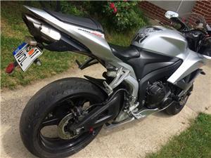 Honda CBR 600RR - imagine 4