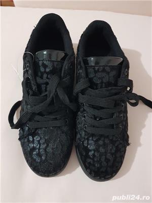 Sneakersi negri,exteriorul ca blanita,marimea 39,noi - imagine 2